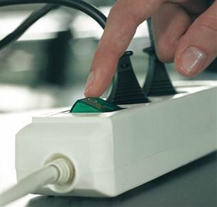 Image of   Eco-Line + Switch overspændingsbeskytter 3 AC stikkontakt(er) 1,5 m Grå, Sølv