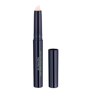 - Light Reflecting Concealer