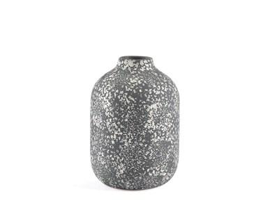 Image of   Vase 21cm D15 Sort Stentøj